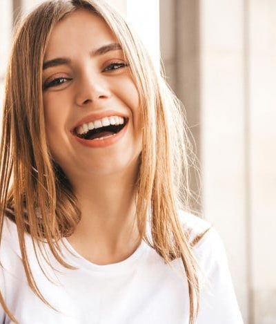 portrait-beautiful-smiling-blond-model-dressed-summer-hipster-clothes_158538-5482